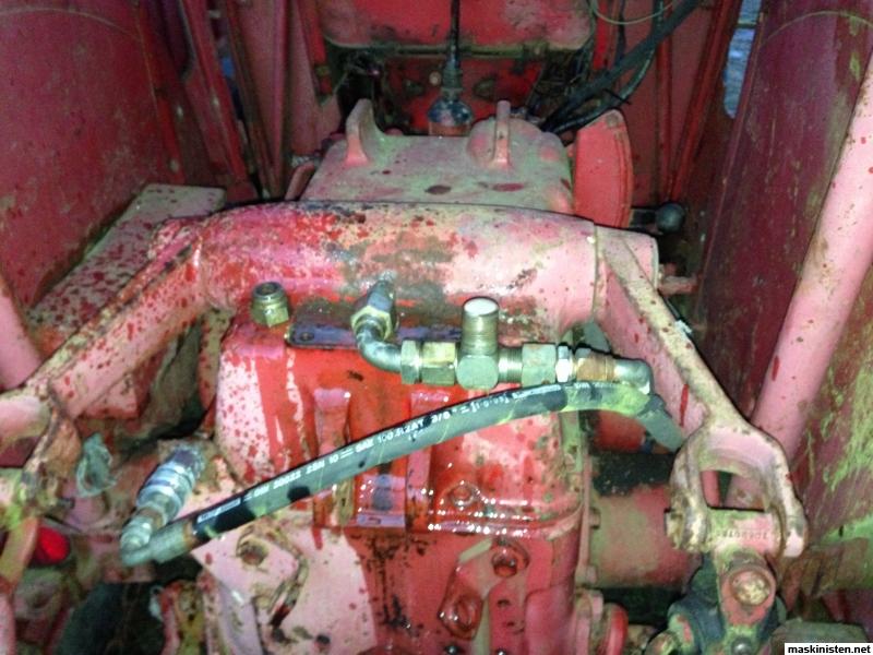 International 444 Tractor Hydraulic System : B hydraulic oil level tractor forum
