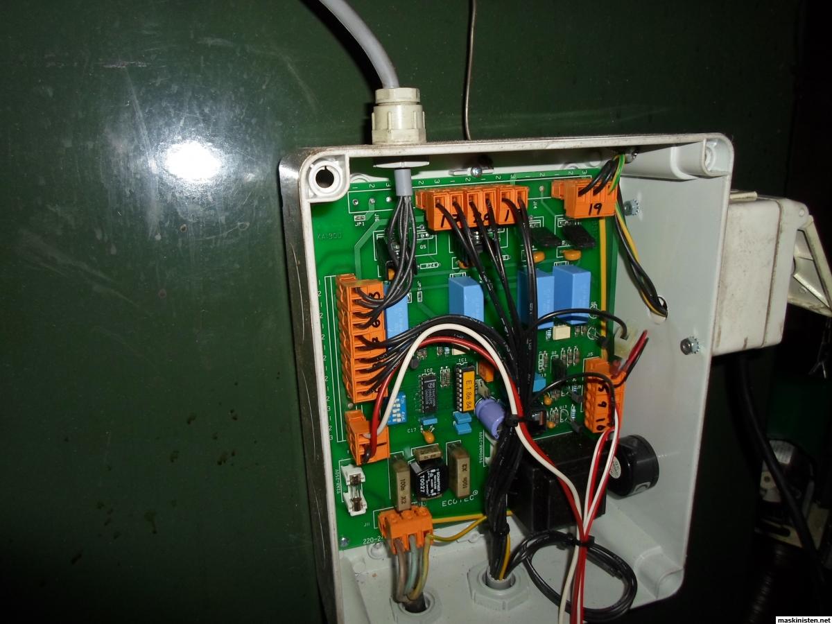 hur du koppla in en Honeywell termostat studenter ansluter sig