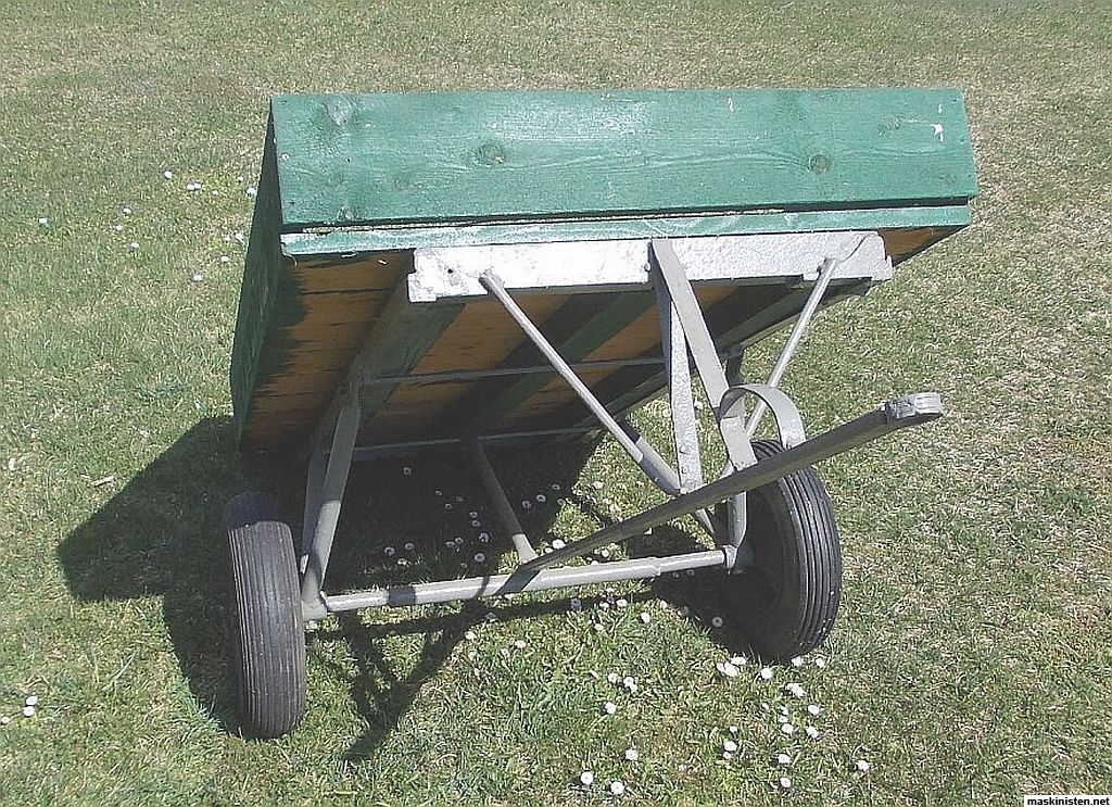 Kärra till åkgräsklippare